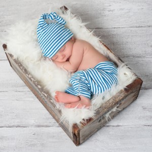 A great way for parents to announce the birth and welcome their child into the world is by sending  photo calendar card to their friends and family.